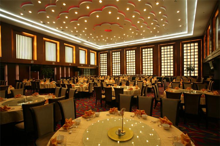 雾灵山庄餐厅